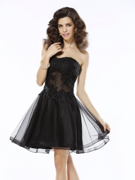 A-Line/Princess Sleeveless Applique Short/Mini Sweetheart Satin Cocktail Dresses