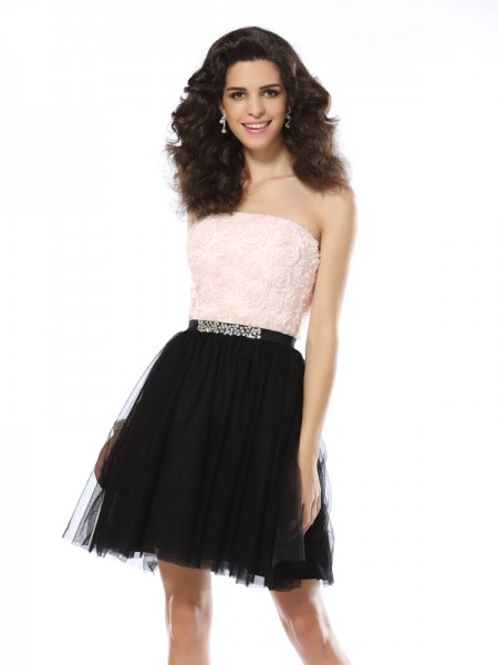 A-Line/Princess Sleeveless Short/Mini Strapless Tulle Cocktail Dresses