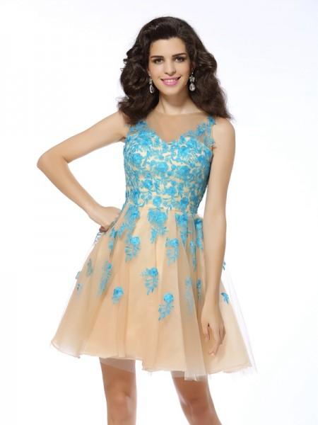 A-Line/Princess Sleeveless Applique Short/Mini Bateau Tulle Cocktail Dresses