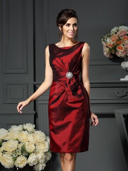 Sheath/Column Sleeveless Pleats Knee-Length Scoop Taffeta Mother of the Bride Dresses