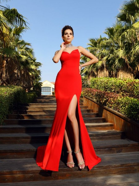 Sheath/Column Sleeveless Beading Court Train High Neck Spandex Dresses
