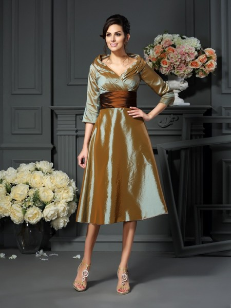 A-Line/Princess 3/4 Sleeves Tea-Length V-neck Taffeta Mother of the Bride Dresses