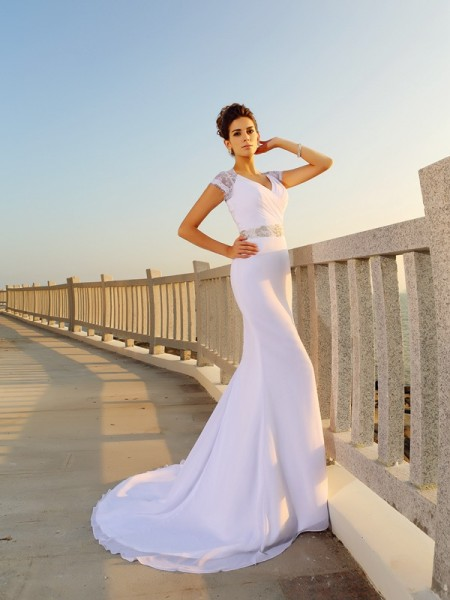 Sheath/Column Sleeveless Court Train Beading Chiffon V-neck Wedding Dresses