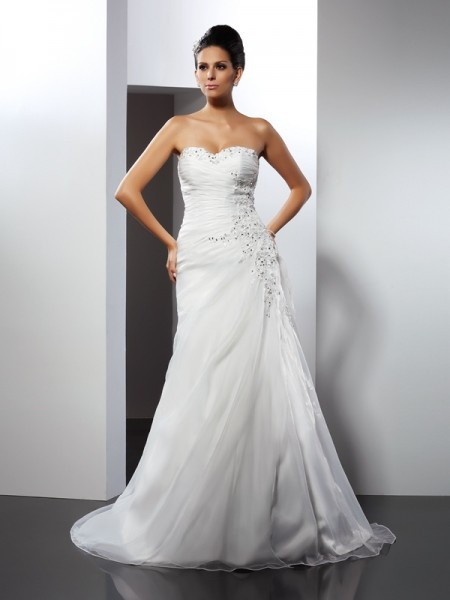 A-Line/Princess Sleeveless Court Train Applique Organza Sweetheart Wedding Dresses