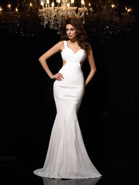 Trumpet/Mermaid Sleeveless Court Train Beading Lace Straps Dresses
