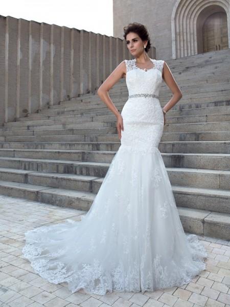 Trumpet/Mermaid Applique Chapel Train V-neck Sleeveless Lace Wedding Dresses