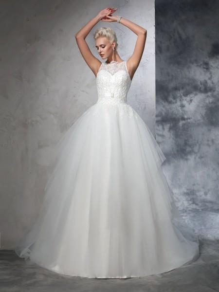 Ball Gown Applique Chapel Train Bateau Sleeveless Net Wedding Dresses