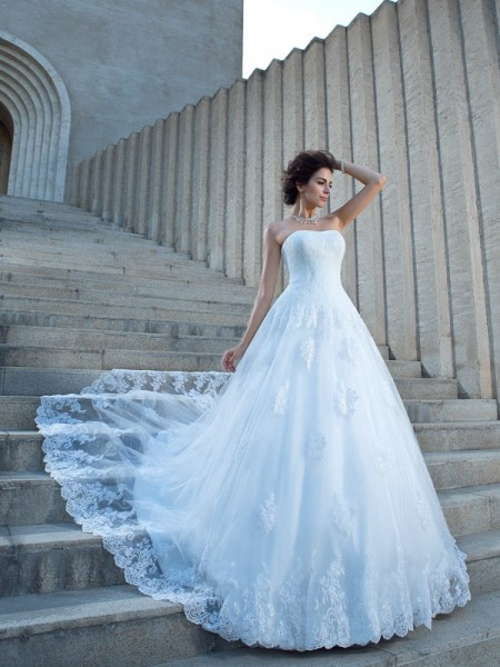 Ball Gown Applique Chapel Train Spaghetti Straps Sleeveless Satin Wedding Dresses