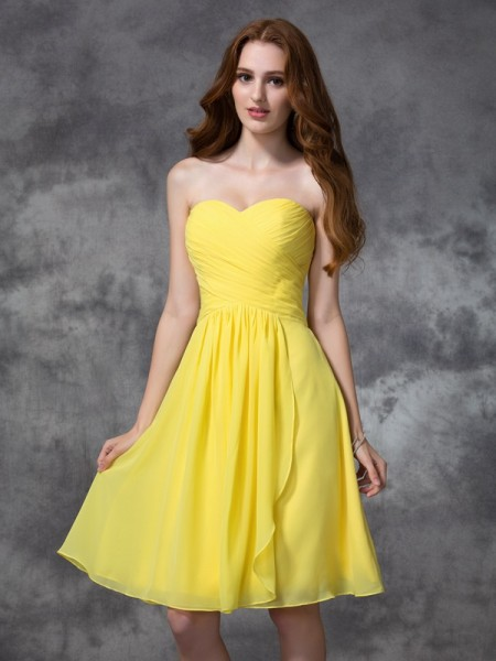 A-line/Princess Ruched Knee-length Sweetheart Sleeveless Chiffon Bridesmaid Dresses