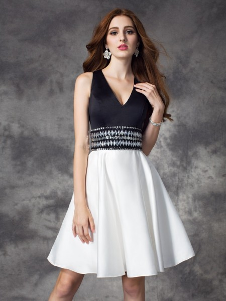 A-line/Princess Rhinestone Short/Mini V-neck Sleeveless Satin Cocktail Dresses