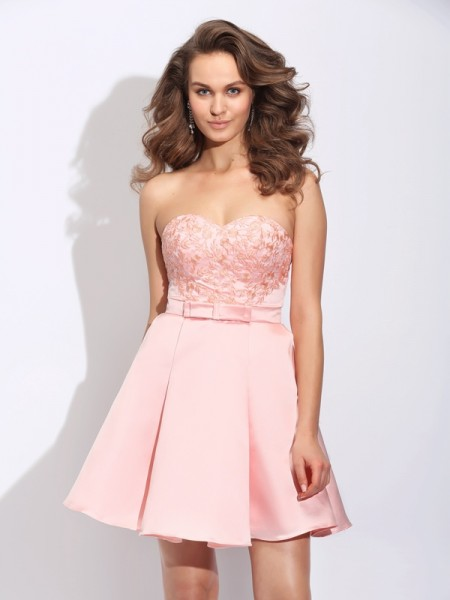 A-Line/Princess Ruffles Short/Mini Sweetheart Sleeveless Satin Cocktail Dresses