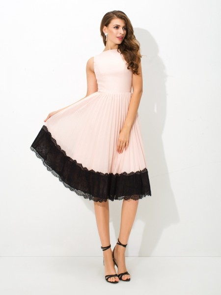 A-Line/Princess Lace Tea-Length High Neck Sleeveless Chiffon Cocktail Dresses