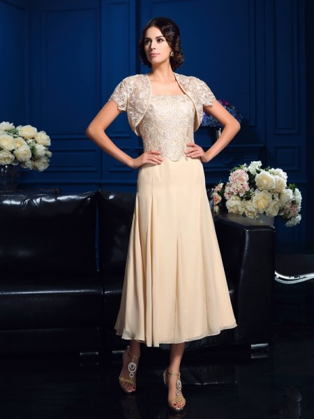 A-Line/Princess Applique Knee-Length Square Sleeveless Chiffon Mother of the Bride Dresses
