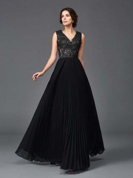 A-Line/Princess Lace Floor-Length V-neck Sleeveless Chiffon Mother of the Bride Dresses
