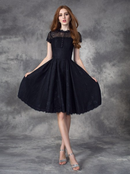 A-line/Princess Lace Knee-Length Jewel Short Sleeves Lace Dresses
