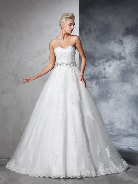 Ball Gown Applique Chapel Train Sweetheart Sleeveless Net Wedding Dresses