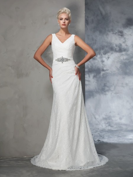 Trumpet/Mermaid Lace Court Train V-neck Sleeveless Lace Wedding Dresses