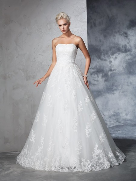 Ball Gown Lace Court Train Strapless Sleeveless Lace Wedding Dresses