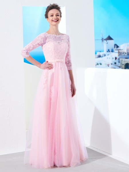 A-Line/Princess Bateau 1/2 Sleeves Tulle Floor-Length Applique Dresses