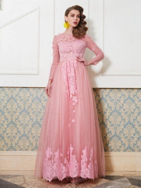 A-Line/Princess Scoop 3/4 Sleeves Tulle Floor-Length Applique Dresses
