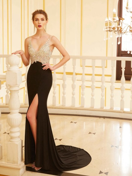 Sheath/Column V-neck Sleeveless Spandex Sweep/Brush Train Beading Dresses