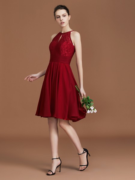 A-Line/Princess Lace Sleeveless Knee-Length Chiffon Halter Bridesmaid Dresses
