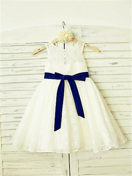 A-Line/Princess Tea-Length Bowknot Scoop Sleeveless Lace Flower Girl Dress
