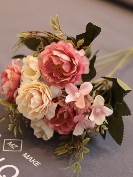 Free-Form Bridal Silk Flower Wedding Decoration