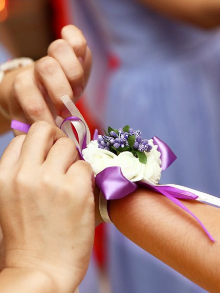 Plastic Wrist Corsage Bridesmaid Sisters Hand flowers