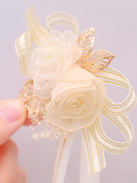 Graceful Dried Flower Wrist Corsage Hand flowers