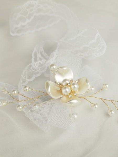 Sweet Hand-tied Imitation Pearl Wrist Corsage