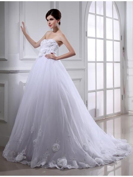 Ball Gown Sash/Ribbon/Belt Hand-Made Flower Beading Organza Sleeveless Chapel Train Strapless Wedding Dresses