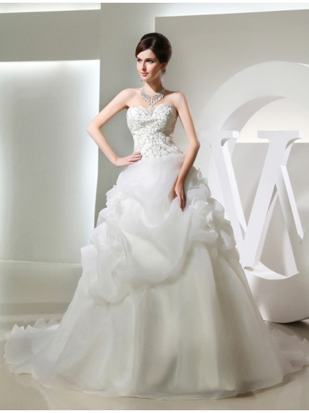 Ball Gown Hand-Made Flower Beading Organza Sleeveless Chapel Train Strapless Sweetheart Wedding Dresses