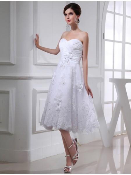 A-Line/Princess Beading Applique Taffeta Organza Sleeveless Knee-Length Sweetheart Wedding Dresses