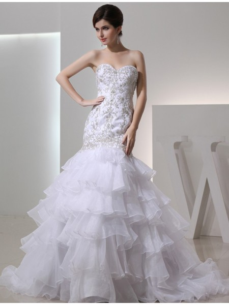 Trumpet/Mermaid Beading Embroidery Organza Sleeveless Chapel Train Sweetheart Wedding Dresses