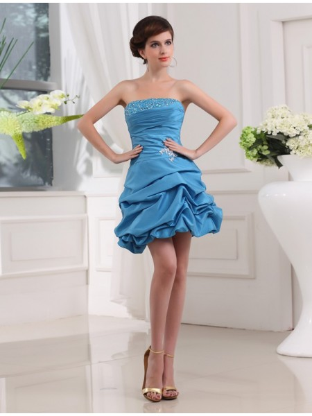 A-Line/Princess Beading Applique Taffeta Sleeveless Short/Mini Strapless Short Cocktail Dresses