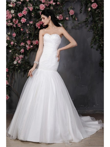 Trumpet/Mermaid Pleats Beading Organza Sleeveless Chapel Train Sweetheart Wedding Dresses