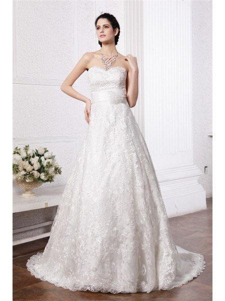 A-Line/Princess Sash/Ribbon/Belt Lace Sleeveless Chapel Train Sweetheart Wedding Dresses
