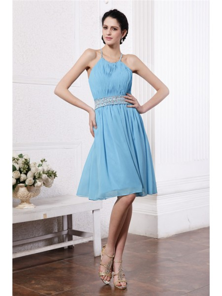 Sheath/Column Pleats Beading Chiffon Sleeveless Knee-Length Halter Bridesmaid Dresses