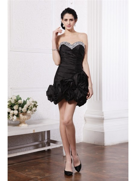Sheath/Column Pleats Beading Taffeta Sleeveless Short/Mini Sweetheart Short Cocktail Dresses