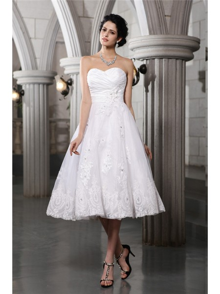 A-Line/Princess Beading Applique Taffeta Sleeveless Tea-Length Sweetheart Wedding Dresses