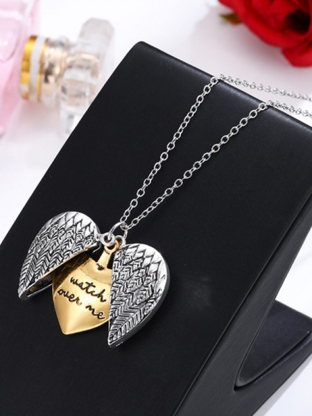 Hot Sale Vintage Alloy Necklaces For Women