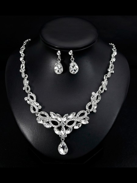 Luxurious Womens Alloy With Rhinestone Jewelry Set