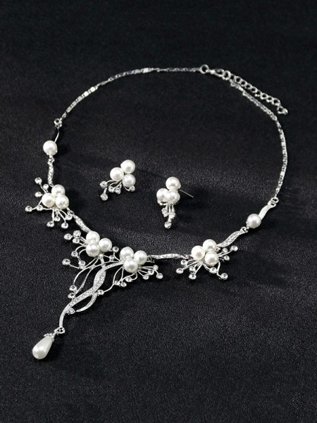 Hot Sale Attractive Alloy With Rhinestone Jewelry Set
