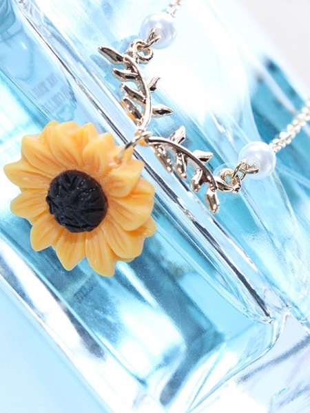 Unique Alloy With Sunflower Hot Sale Necklaces