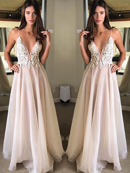 A-Line/Princess Sweep/Brush Train Chiffon Sleeveless Spaghetti Straps Applique Dresses