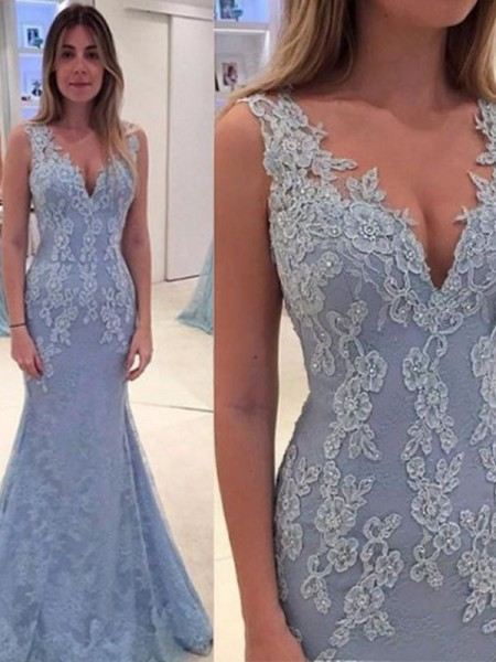 Trumpet/Mermaid Sleeveless Applique Lace Sweep/Brush Train V-neck Dresses
