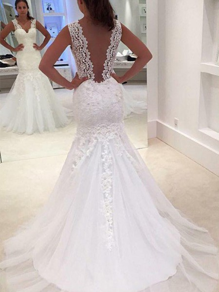 Trumpet/Mermaid Lace Applique V-neck Sleeveless Court Train White Wedding Dresses