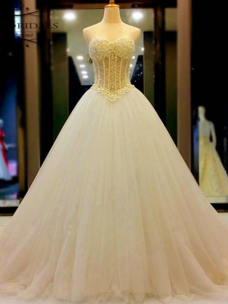 Ball Gown Tulle Beading Sweetheart Sleeveless Court Train White Wedding Dresses