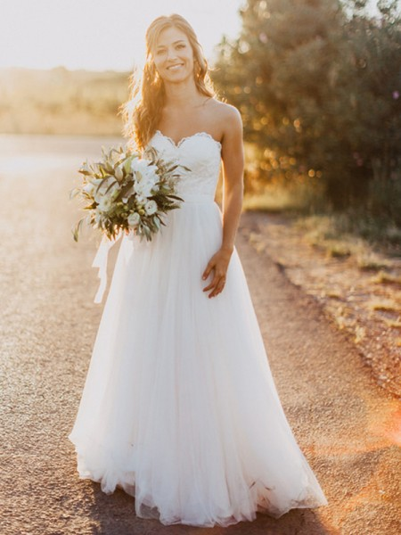 A-Line/Princess Tulle Ruched Sweetheart Sleeveless Floor-Length White Wedding Dresses